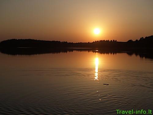Akmenos ežeras