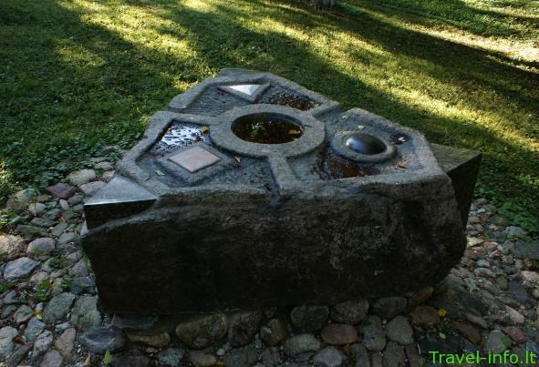 Mėnulio akmens – skulptūrų parkas