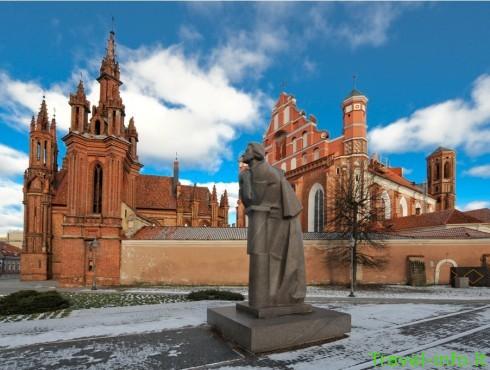Šv. Onos bažnyčia ir Bernardinų vienuolynas
