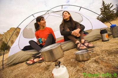 10 svarbiausių daiktų, stovyklaujant gamtoje